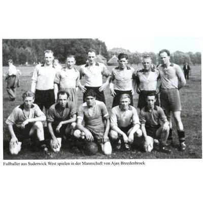 Fussballer aus Suderwick West spielen in der Mannschaft von Ajax Breedenbroek