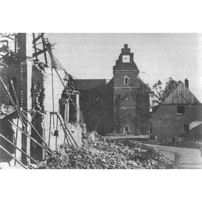 Zerbomte Kirche in Alstätte 1945