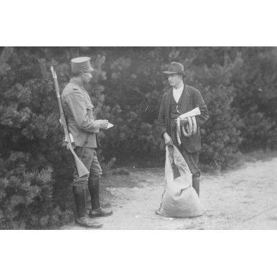 Gestellte Schmuggelszene; Foto aus dem Grenzlandmuseum Dinxperlo