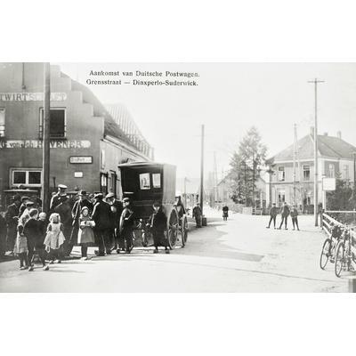 Aankomst van de postkoets rond 1900